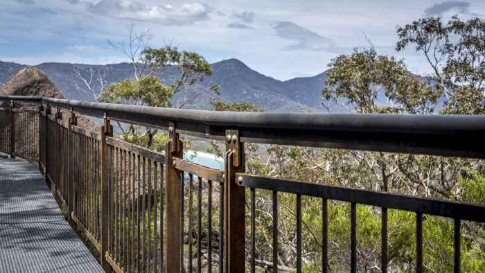 CPT Wineglass Bay handrail detail