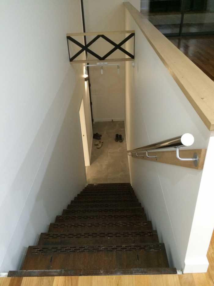 Residential staircase and wall support