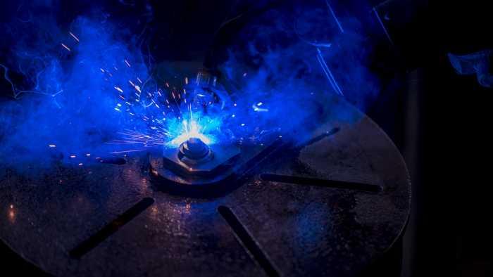 Robotic welding bracket