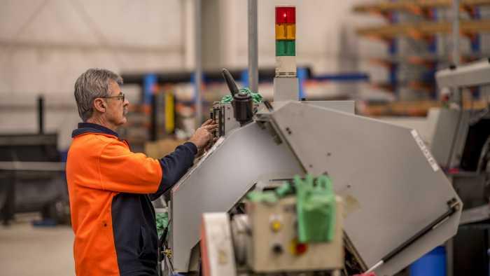 Setting CNC Lathe