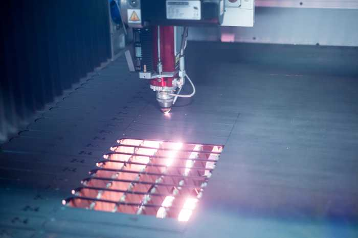 FIBRE LASER CUTTING 5mm Mild steel plate